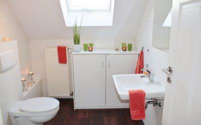 Modna łazienka – co na podłogę?